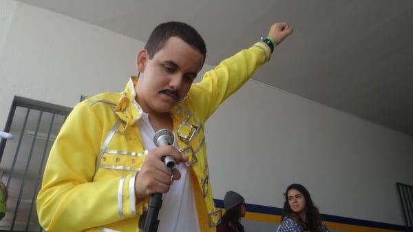 Freddie Mercury foi um dos personagen do encontro de cosplay em Maceió