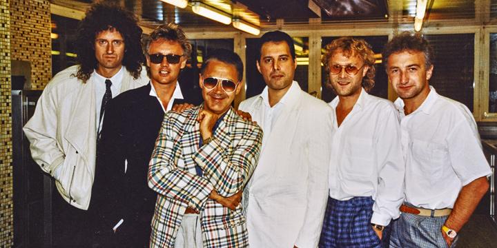 Brian May, Roger Taylor, Claude Nobs, Freddie Mercury, David Richards e John Deacon